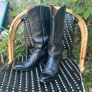 Lucches black boots